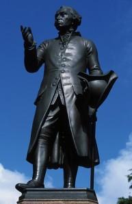 Immanuel_Kant_monument_in_Königsberg