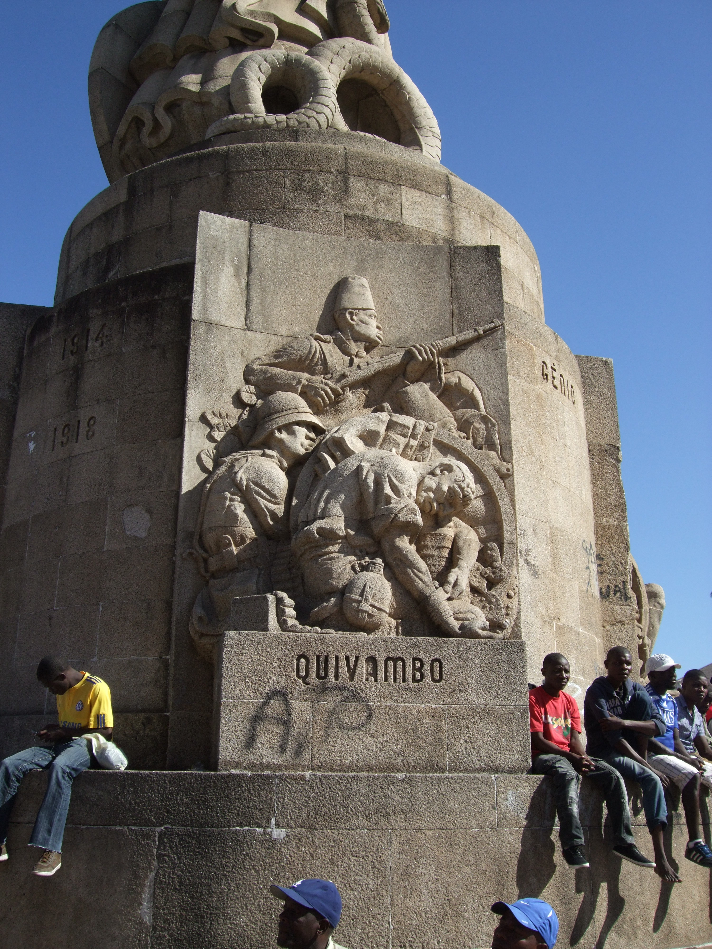 Plaque for Quivambo