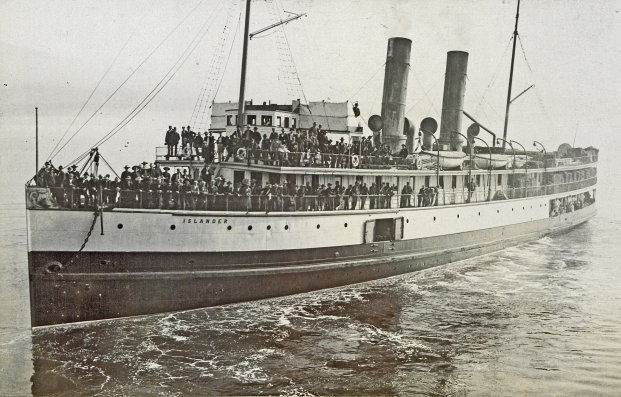 Steamship_Islander_leaving_Vancouver,_British_Columbia_for_Skagway_Bay_crop